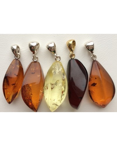 5 Baltic amber pendants